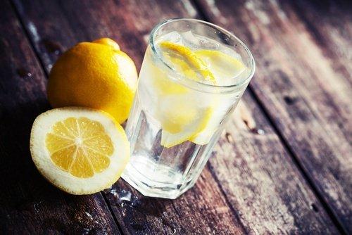 acqua-e-limone-500x334